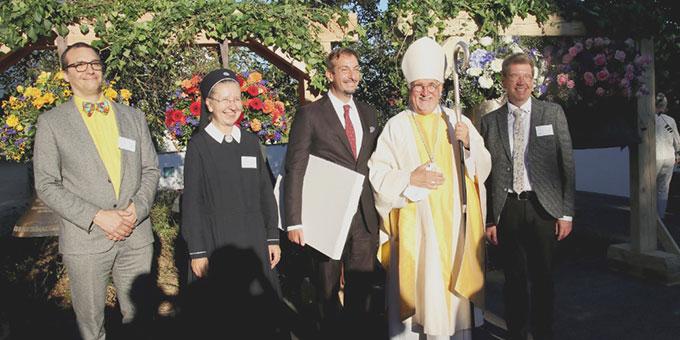 Die Verantortlichen des Projektes (von rechts): Prof. Dr. Hans Schnieders (Projektleiter), Bischof Gebhard Fürst, Frederic Kaminski, Sr. M. Faustina Niestroj, Roman Schmid (Foto: Boczek)