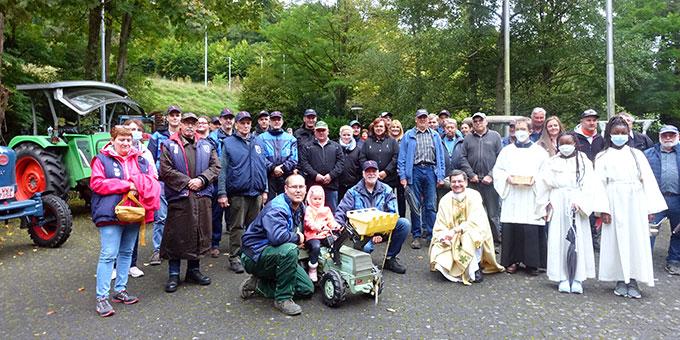 Teilnehmerinnen und Teilnehmer der 6. Traktorwallfahrt nach Schönstatt (Foto: Trieb)