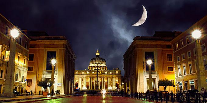 Rom: Peterskirche bei Nacht (Foto: hsvbooth, Pixabay)